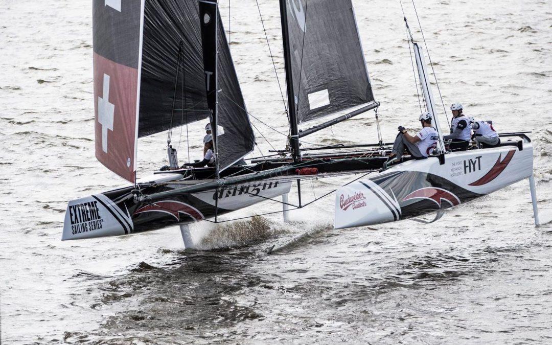 Extreme Sailing Series 2016 – Hamburg, Németország  Omán orrhosszal az Alinghi előtt
