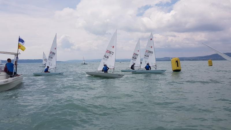 Laser ranglistaverseny és flottabajnokság változó szélben