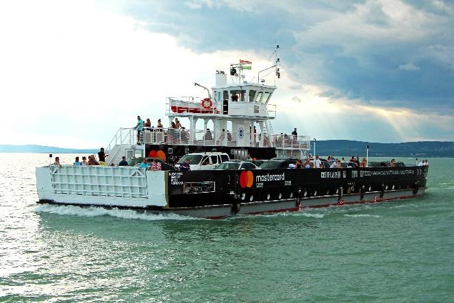 Élményprogramok sora a főidényi hajómenetrendben