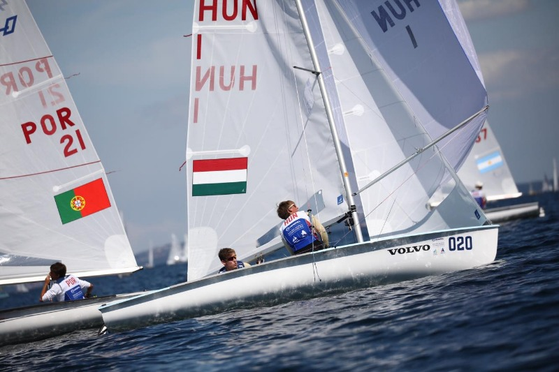 Magyar futamgyőzelem a junior 470-es vébén